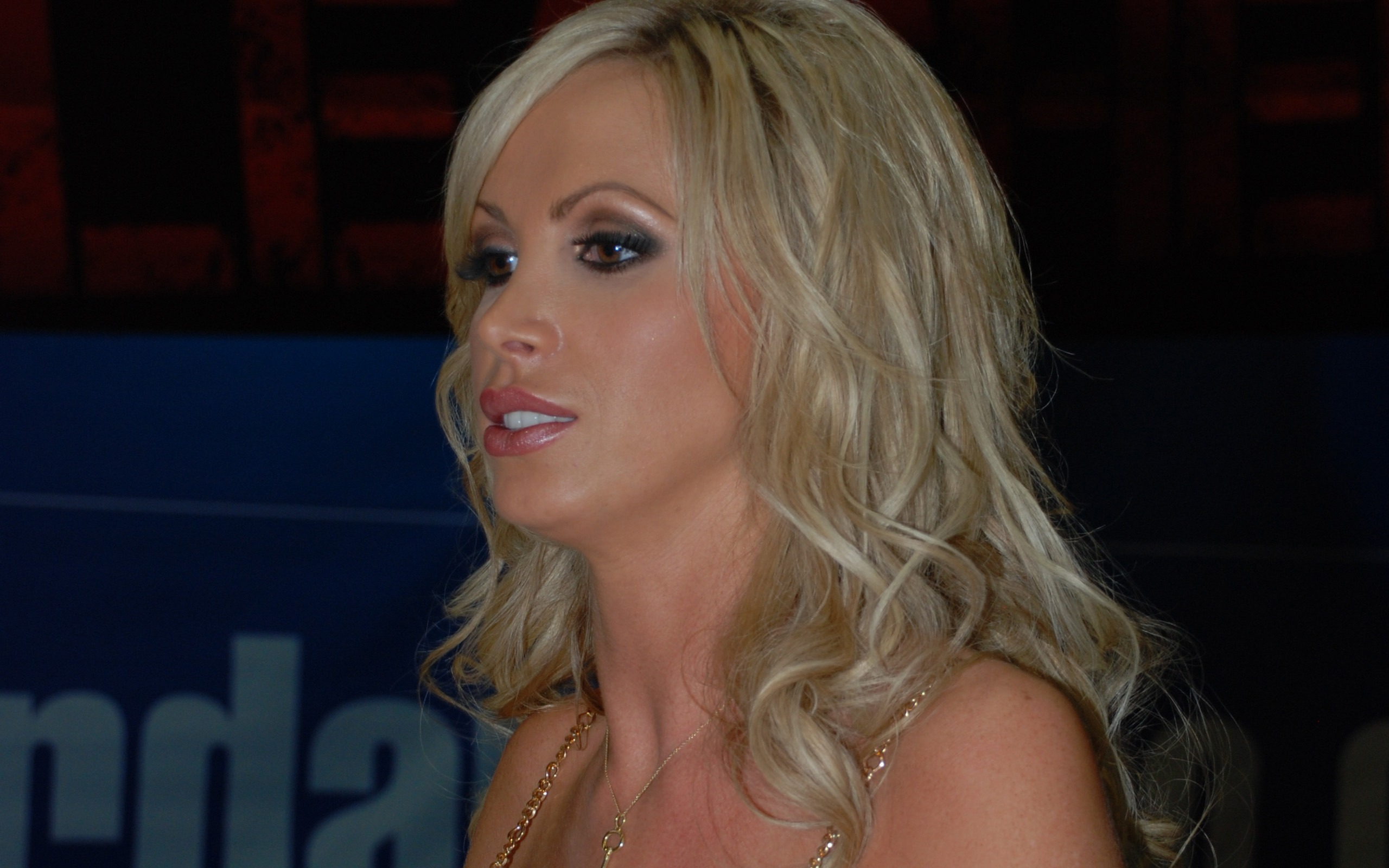 Nikki Benz #008 - 2560x1600 Wallpapers Pictures Photos Images