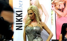 Nikki Benz #005 Wallpapers Pictures Photos Images
