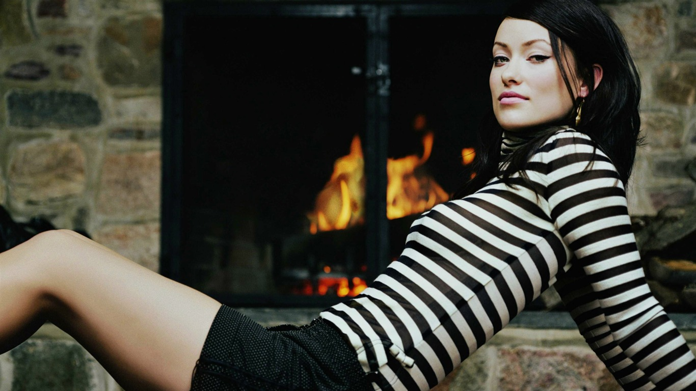 Olivia Wilde #004 - 1366x768 Wallpapers Pictures Photos Images