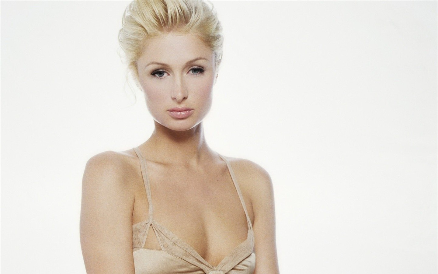Paris Hilton #043 - 1440x900 Wallpapers Pictures Photos Images