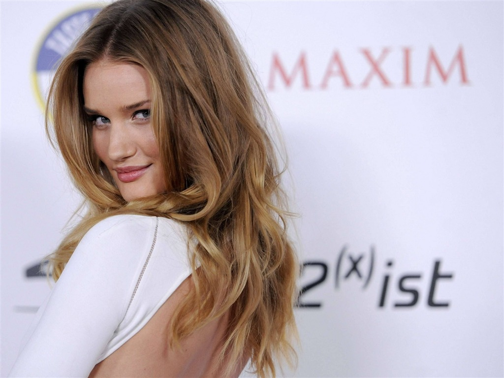 Rosie Huntington Whiteley #007 - 1024x768 Wallpapers Pictures Photos Images