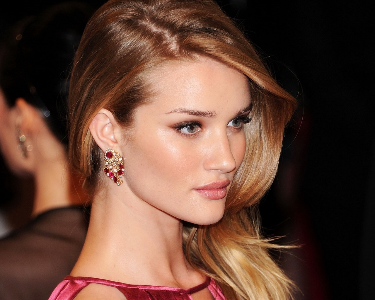 Rosie Huntington Whiteley #006 - 1280x1024 Wallpapers Pictures Photos Images