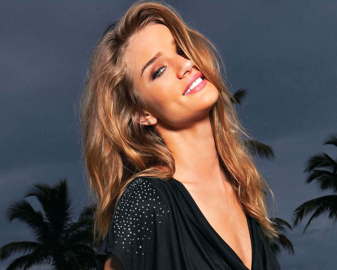 Rosie Huntington Whiteley #009 - 1280x1024 Wallpapers Pictures Photos Images