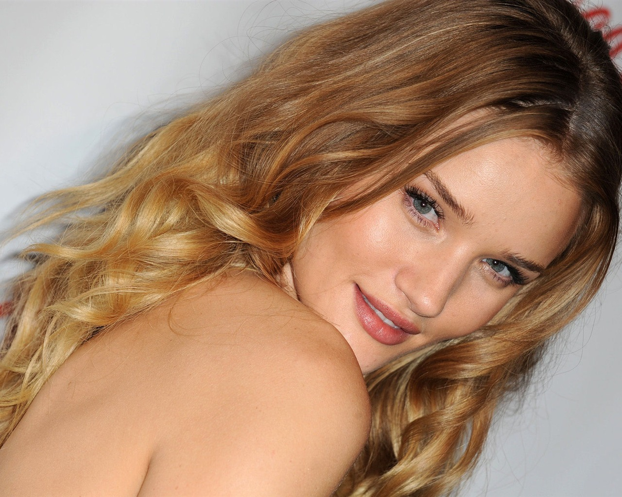 Rosie Huntington Whiteley #011 - 1280x1024 Wallpapers Pictures Photos Images
