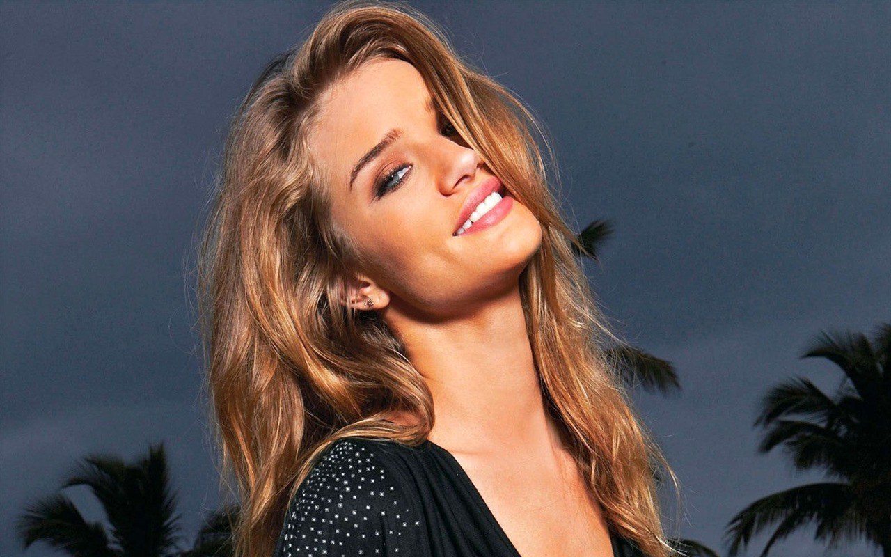 Rosie Huntington Whiteley #009 - 1280x800 Wallpapers Pictures Photos Images