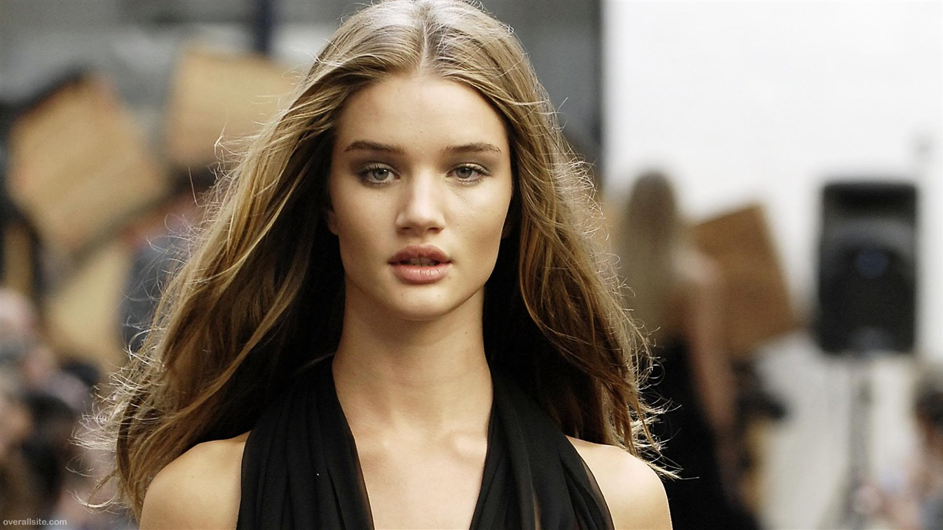 Rosie Huntington Whiteley #008 - 1366x768 Wallpapers Pictures Photos Images