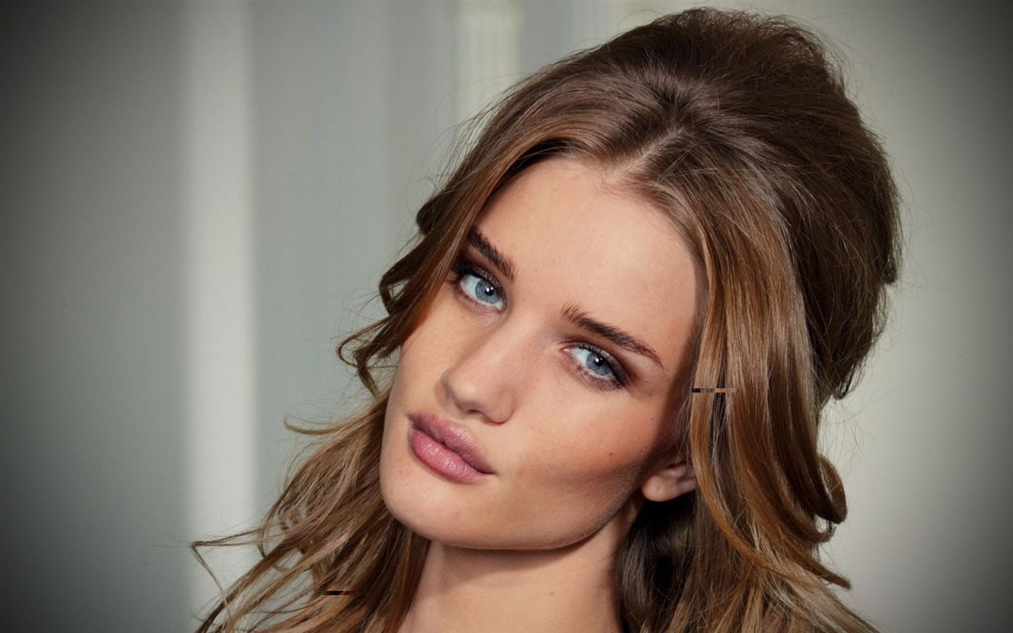 Rosie Huntington Whiteley #005 - 1440x900 Wallpapers Pictures Photos Images