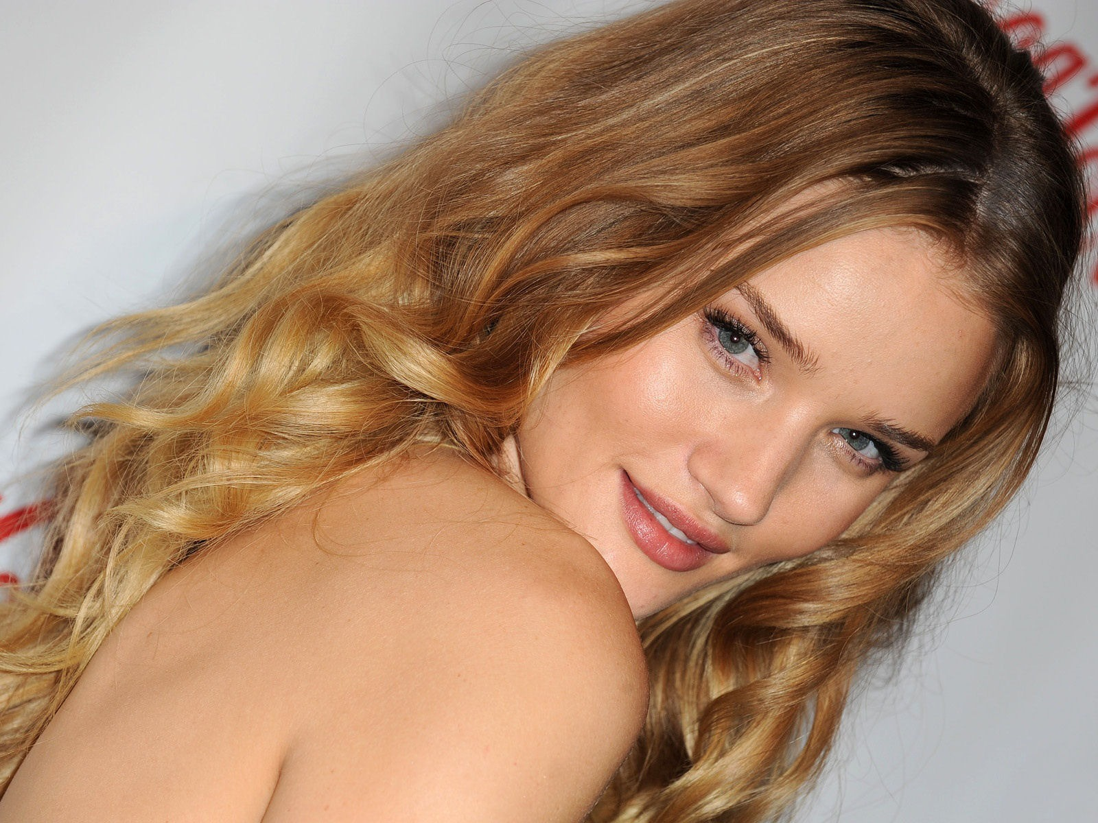 Rosie Huntington Whiteley #011 - 1600x1200 Wallpapers Pictures Photos Images