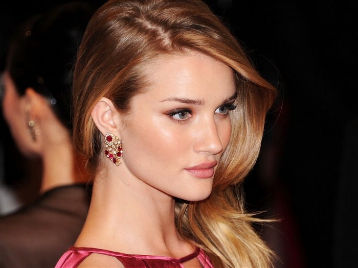 Rosie Huntington Whiteley #006 Wallpapers Pictures Photos Images Backgrounds
