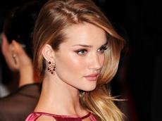 Rosie Huntington Whiteley #006 Wallpapers Pictures Photos Images