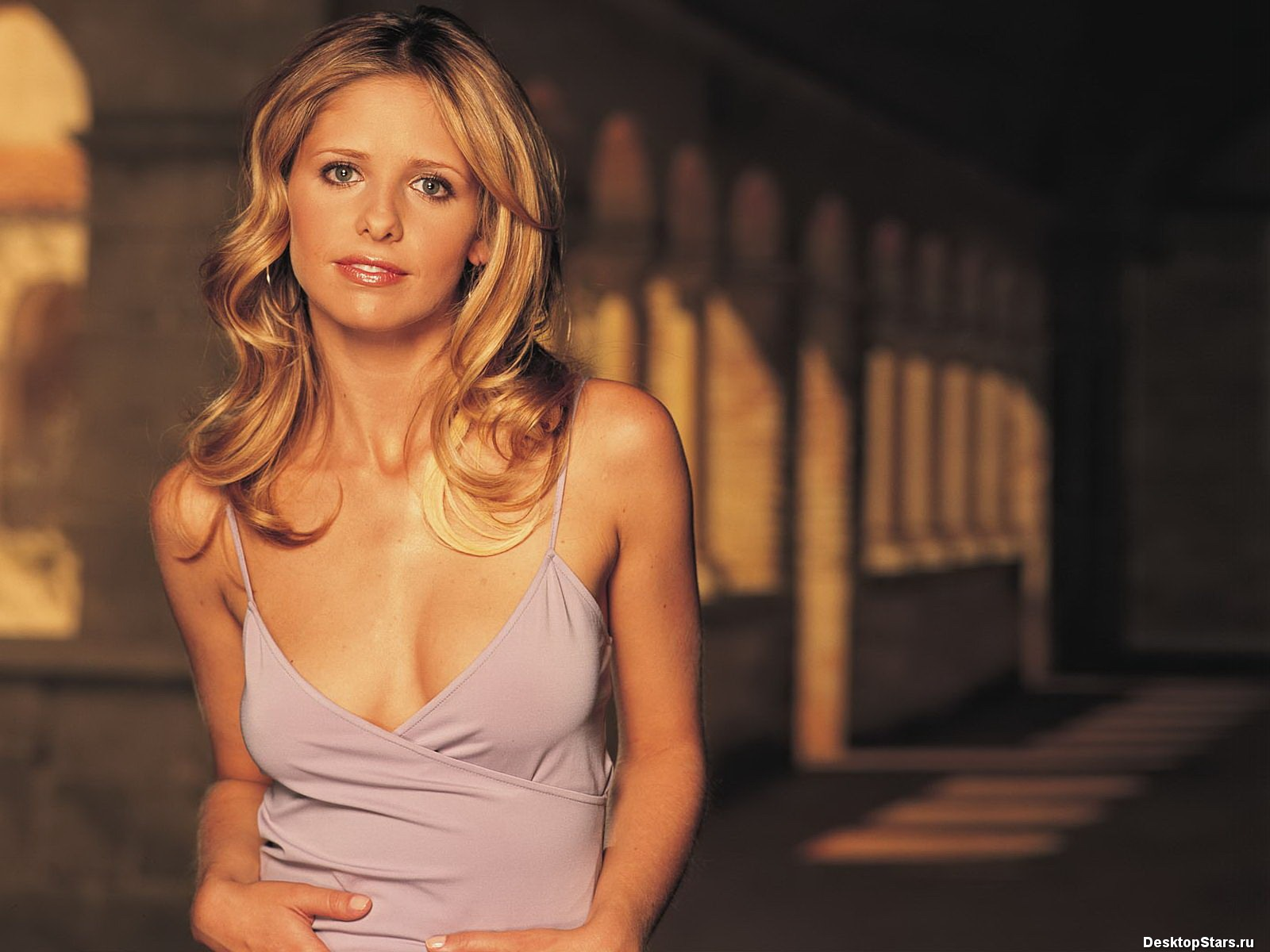 Sarah Michelle Gellar #019 - 1600x1200 Wallpapers Pictures Photos Images