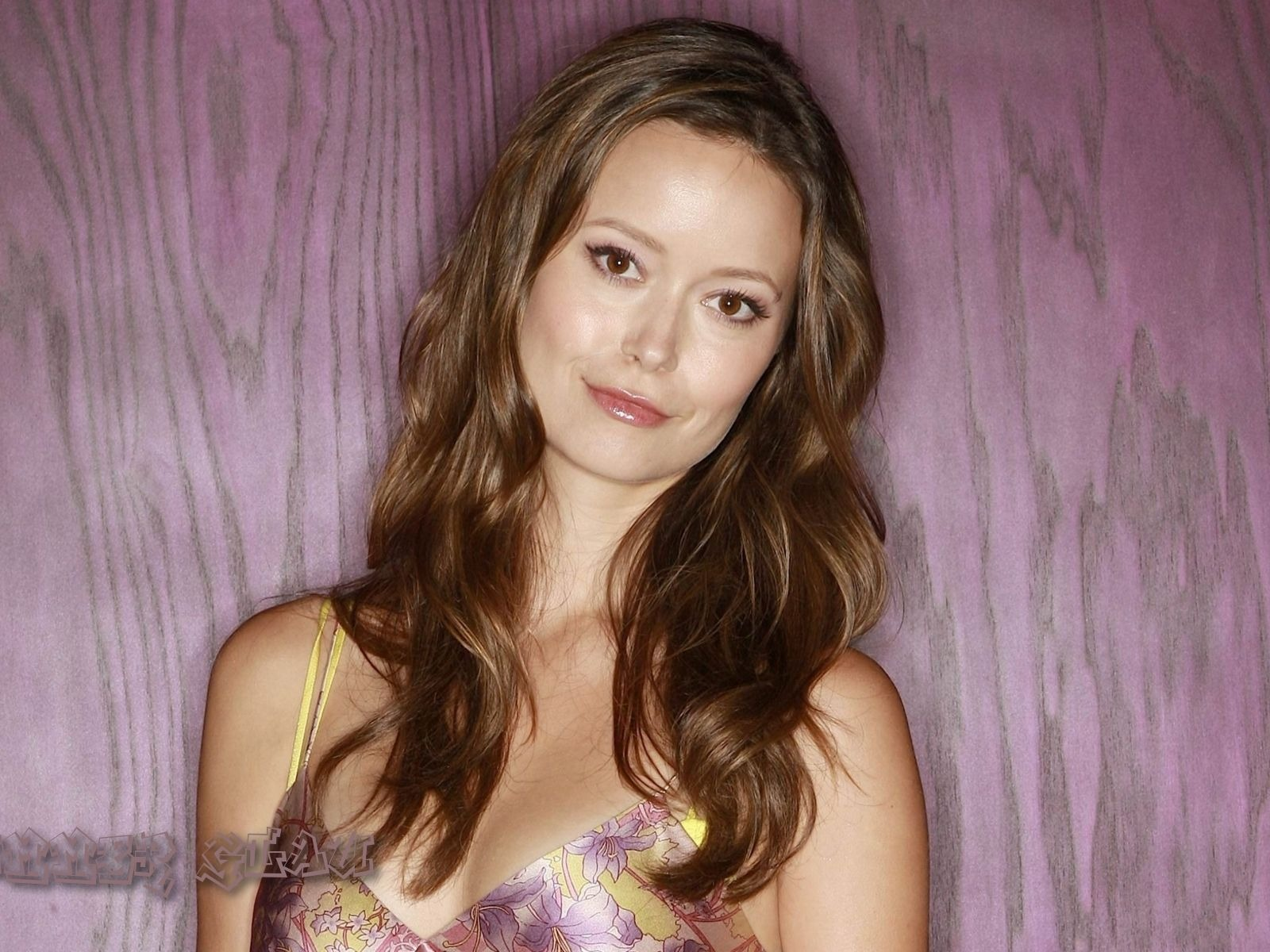 Summer Glau #007 - 1600x1200 Wallpapers Pictures Photos Images