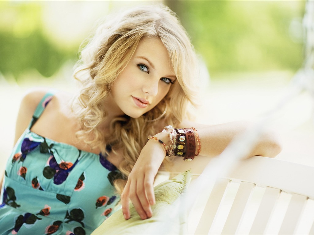 Taylor Swift #013 - 1024x768 Wallpapers Pictures Photos Images